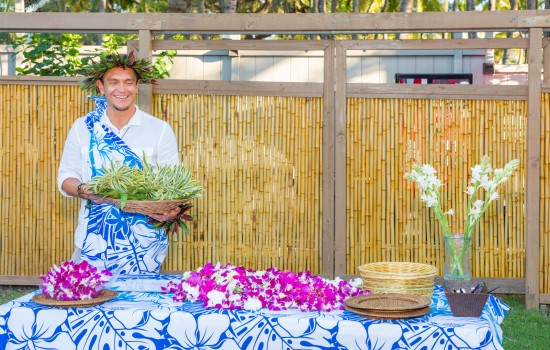 Welcome To Kohea Kai Hotel - Hawaiian Leis